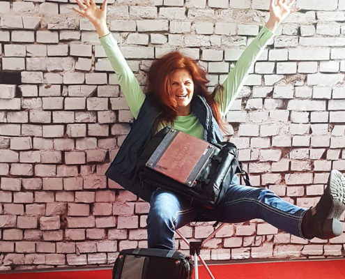 Carola Dambach in den neuen Räumen von CAROSMART